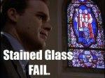 Repare no vidro da igreja.kkkk
